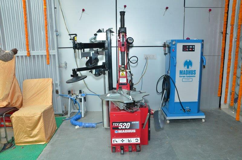 Madhus Garage Equipment -